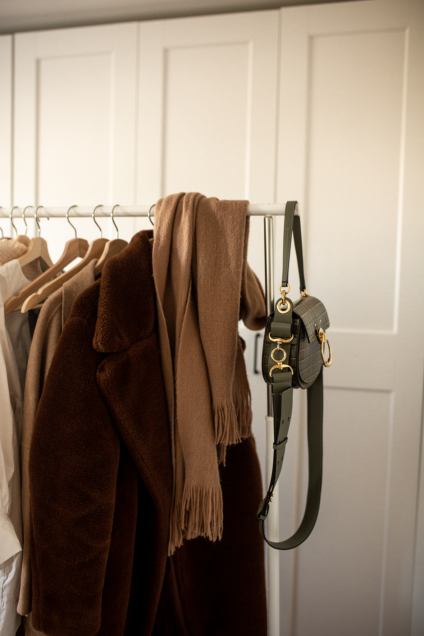 The ultimate guide to organise your clothing rack