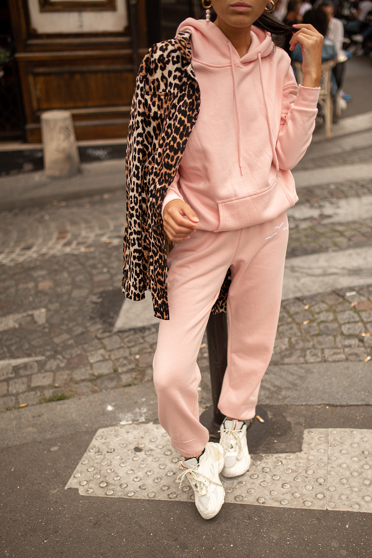 Trendy Sweatpants Outfit Ideas 2020 | Temps d'un Café